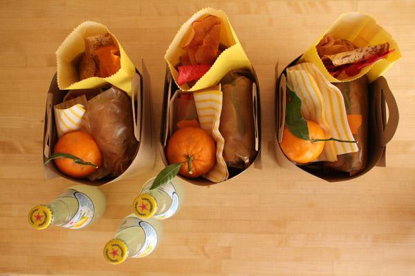 styled eats  diy picnic baskets and free printable