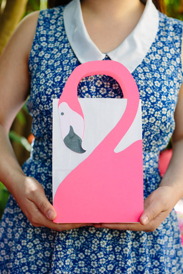 flamingo favor bag diy