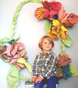 Floral Wreath Photo Backdrop DIY | Oh Happy Day!
