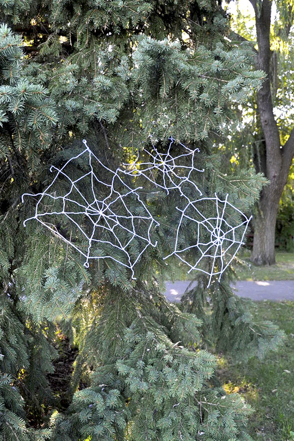 Yarn Spiderwebs | Oh Happy Day!