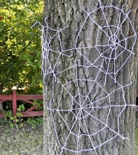 Yarn Spiderwebs | Oh Happy Day!