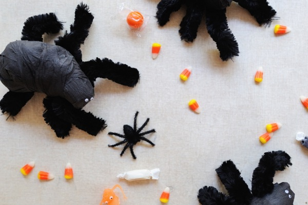 Spider Surprise Ball DIY | Oh Happy Day!