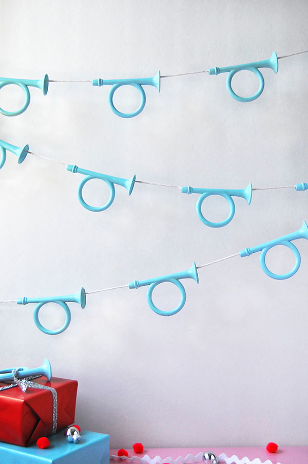 Holiday Horn Garland | Oh Happy Day!