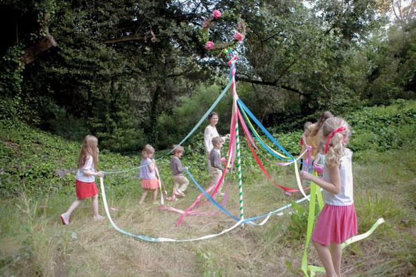 Maypole DIY | Oh Happy Day!