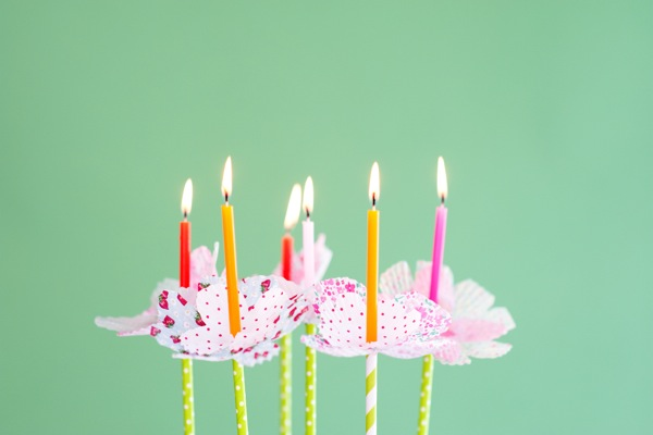 Cupcake Liner Flower Bobèches DIY   Oh Happy Day!