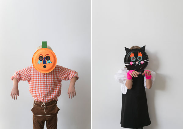 Cat \u0026 Pumpkin Paper Plate Masks | Oh Happy ... & Cat \u0026 Pumpkin Paper Plate Masks + Playful Giveaway