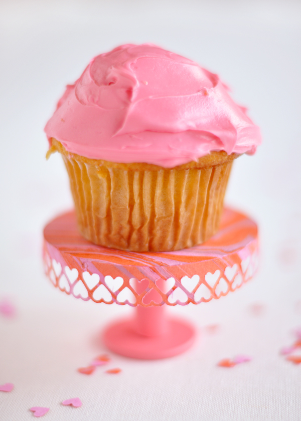Valentine's Day Mini Cakestand | Oh Happy Day!