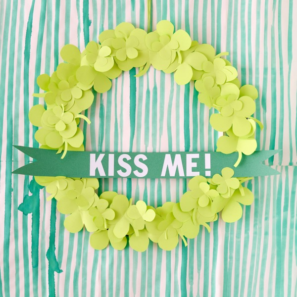 St Patrick's Day Wreath DIY | Oh Happy Day!