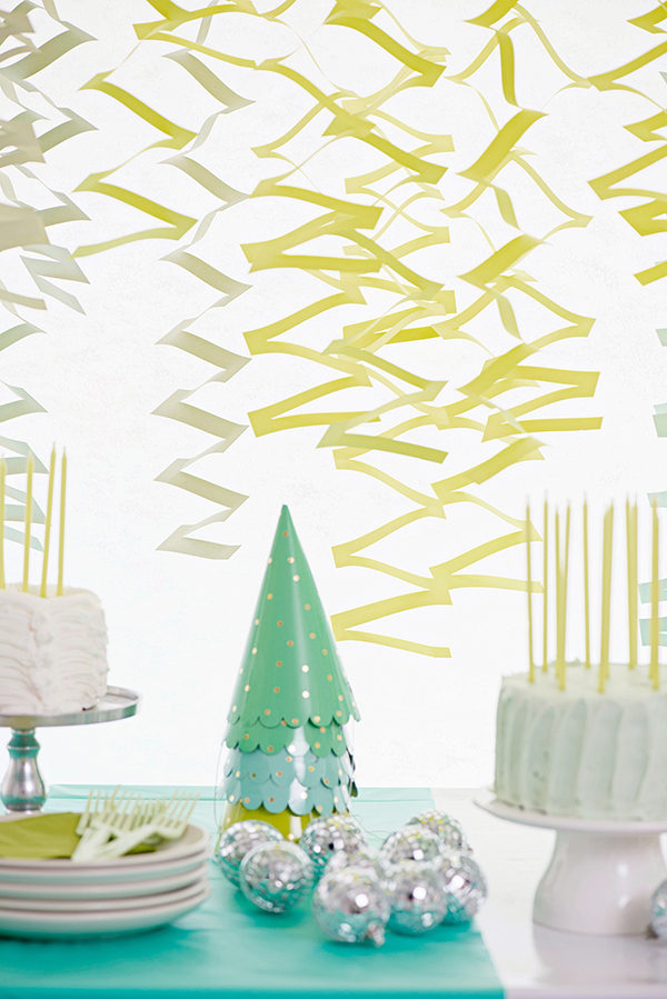 Zig Zag Garland DIY | Oh Happy Day!