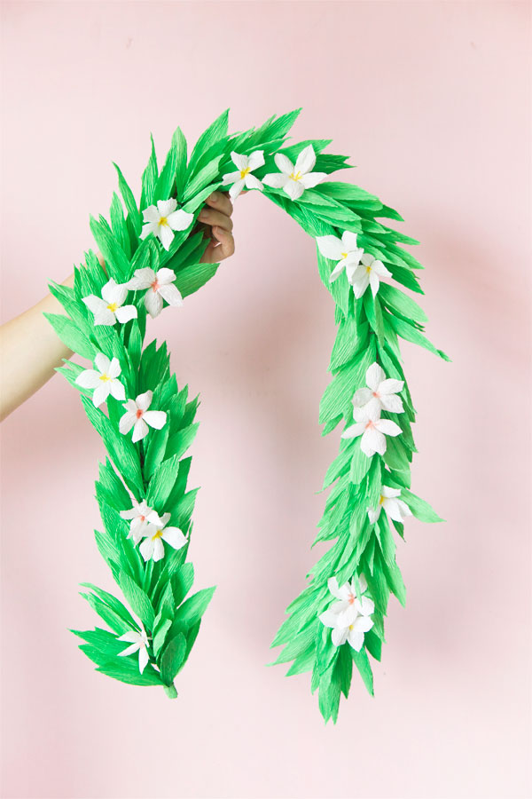 Crepe Paper Lei DIY | Oh Happy Day!