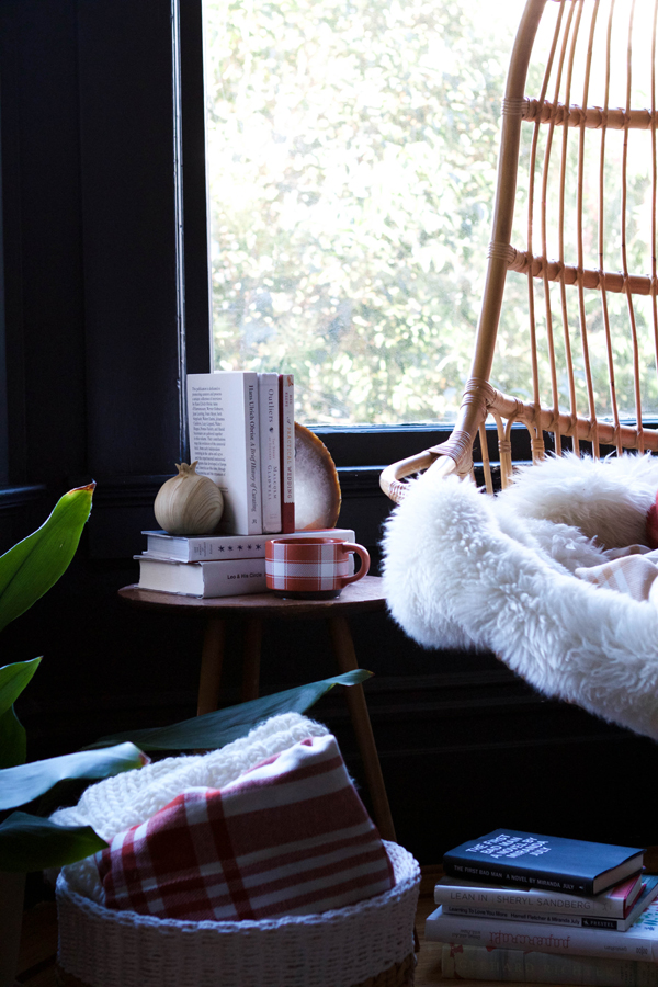 Cozy Plaid Reading Nook | Oh Happy Day!