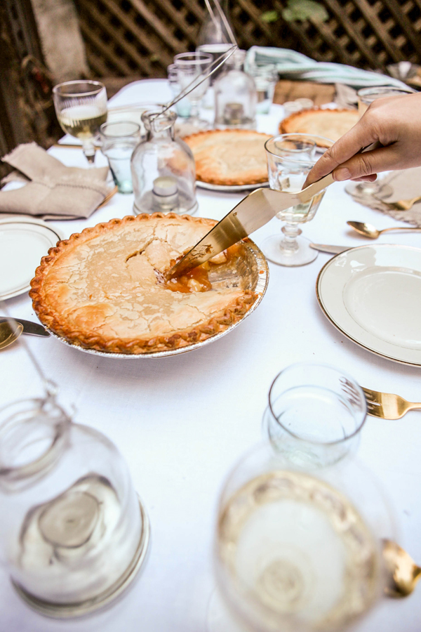 "How to Host ""Friendsgiving"" 