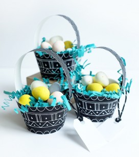 2_patterned_egg_baskets