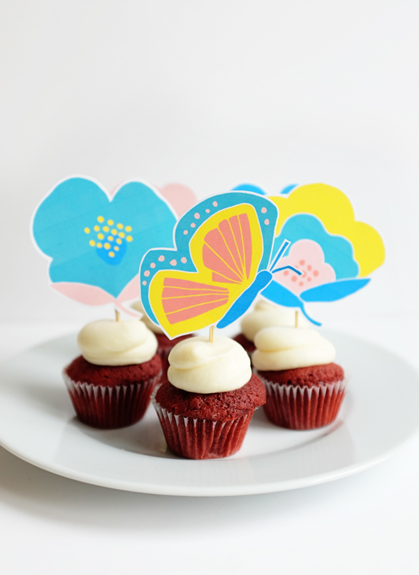 http://d2c5oomqu2hs08.cloudfront.net/wp-content/uploads/2016/03/4_floral_cupcake_toppers.jpg