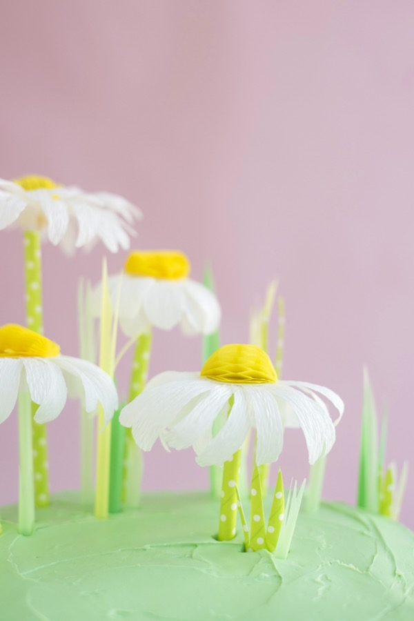 Crepe Paper + Honeycomb Daisy Cake Topper DIY | Oh Happy Day!