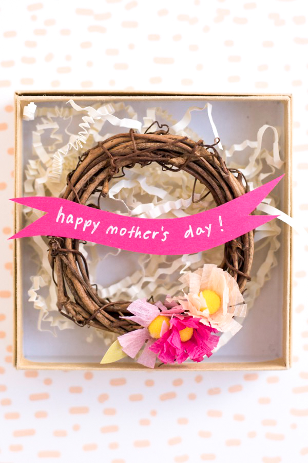Miniature Mother's Day Wreaths DIY | Oh Happy Day!