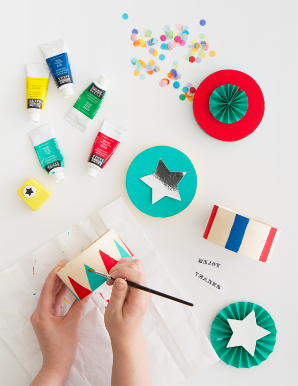DIY Circus Stand Favor Boxes | Oh Happy Day!