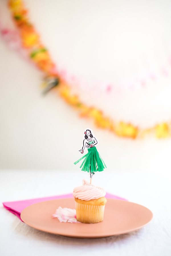Hula Dancer Cupcake Toppers DIY | Oh Happy Day!