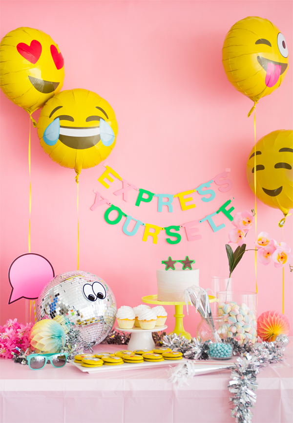 Emoji party express yourself for Decoration emoji