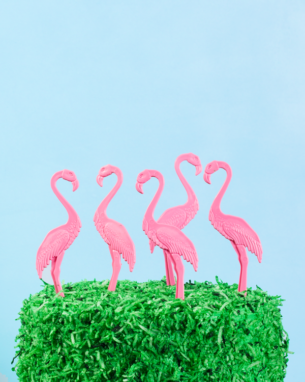 Flamingo Lawn Cake | Oh Happy Day!
