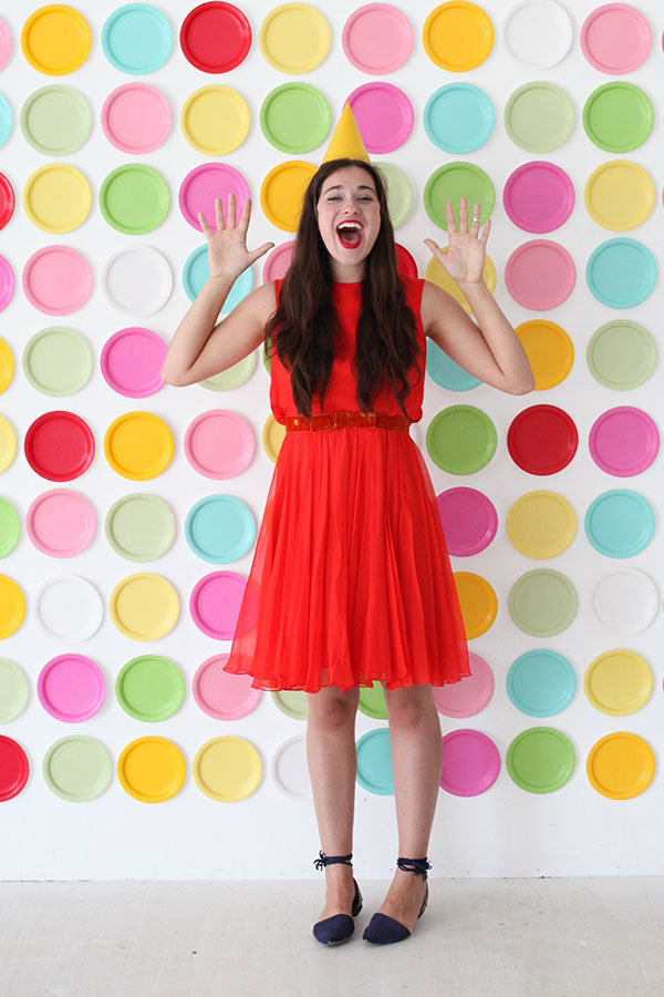 Paper Plate Backdrop | Oh Happy Day!