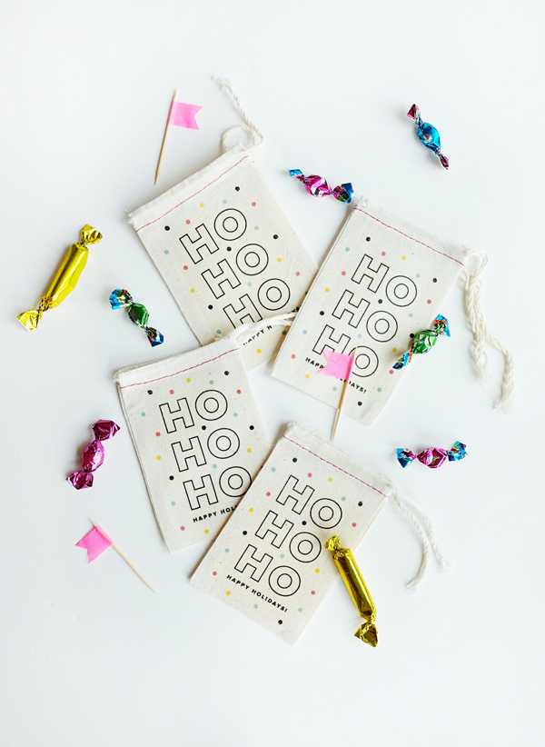 Printable Iron-On Holiday Bags | Oh Happy Day!