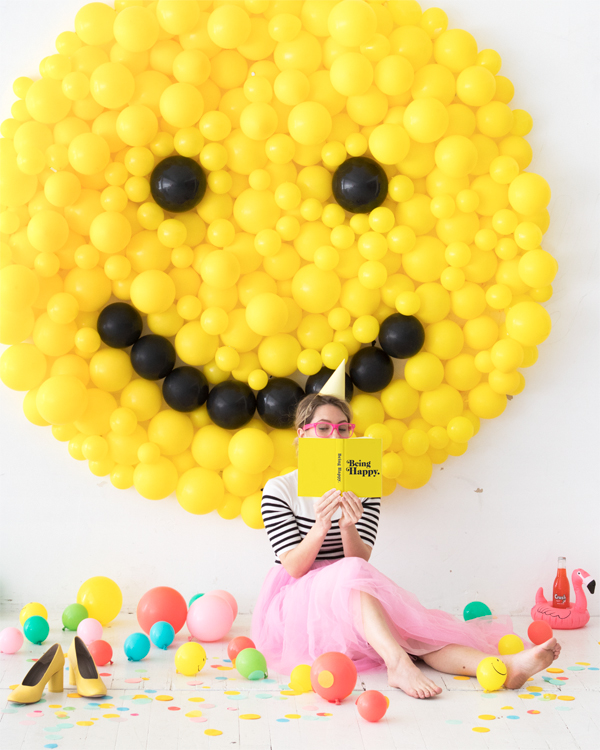Smiley Face Balloon Backdrop | Oh Happy Day!
