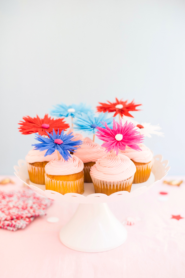 Patriotic Flower Cupcake Toppers | Oh Happy Day!