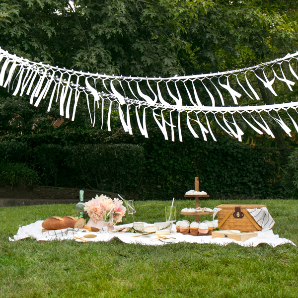 White Labor Day Picnic | Oh Happy Day!
