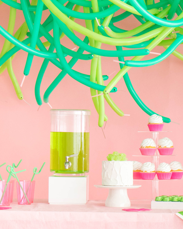 Hanging Balloon Snakes | Oh Happy Day!