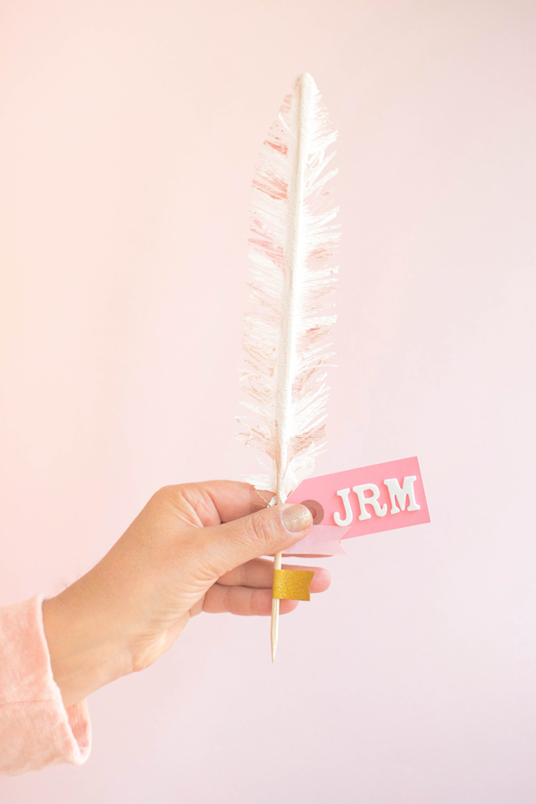 Feather Place Cards DIY | Oh Happy Day!