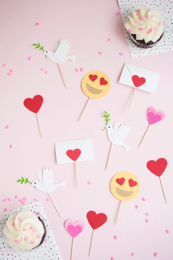 Valentine's Emoji Cupcake Toppers | Oh Happy Day!