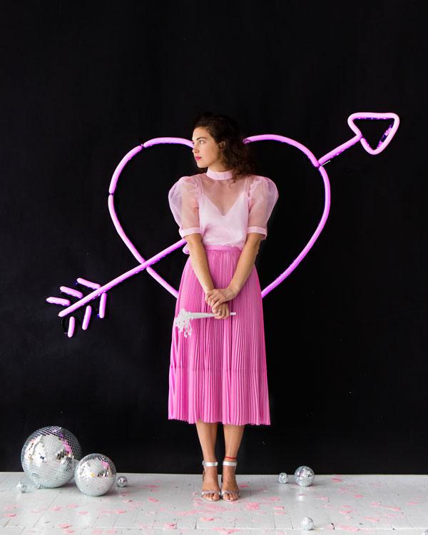 Neon Heart Balloon Wall   Oh Happy Day!