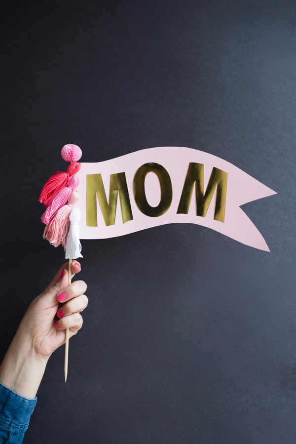 Oversize Mom Cake Topper DIY