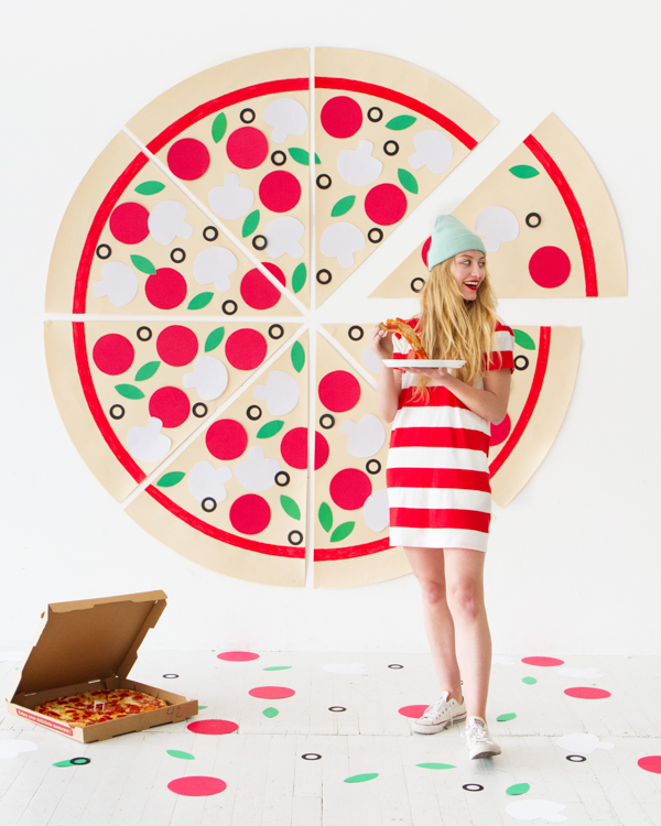 DIY Pizza Party Photobooth | Oh Happy Day!