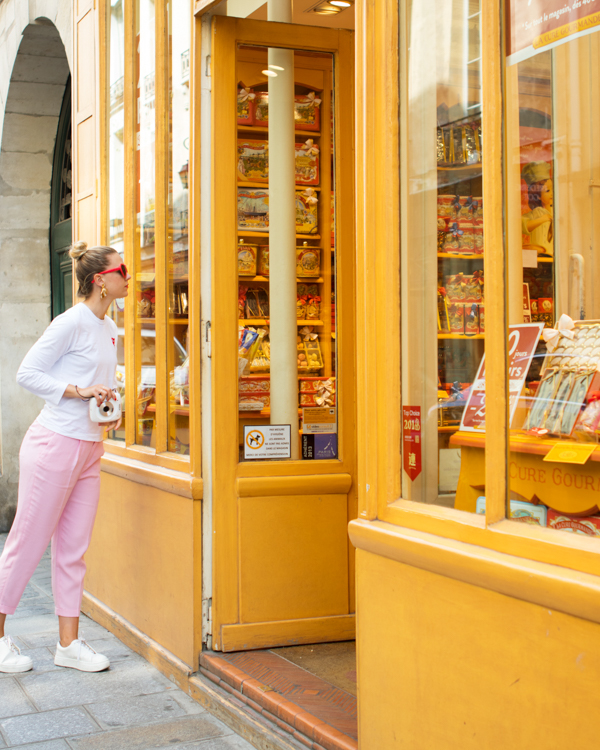 A Colorful Guide to Paris | Oh  Happy Day!