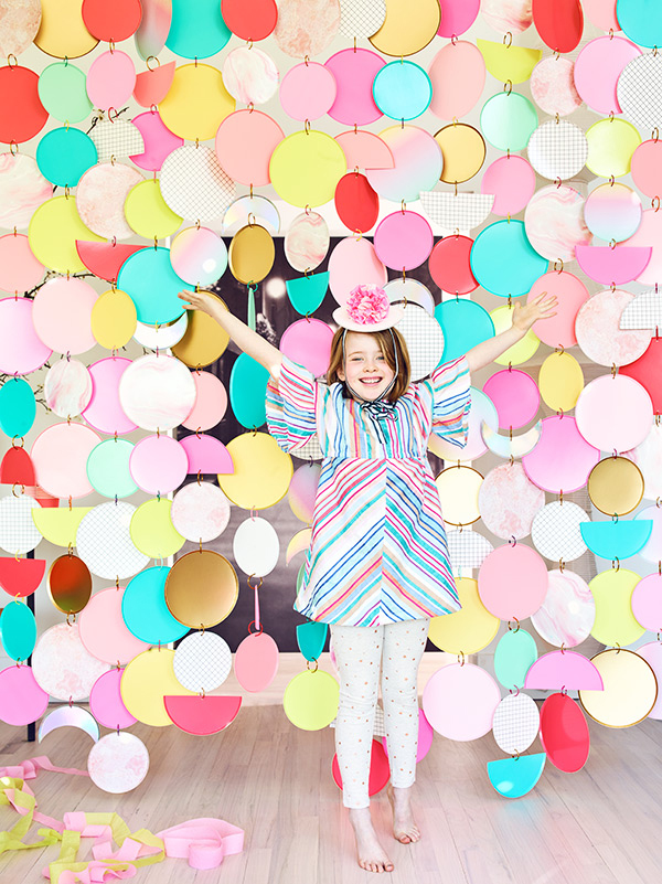 Paper Plate Curtain Backdrop by Rebecca Thuss | Oh Happy Day!