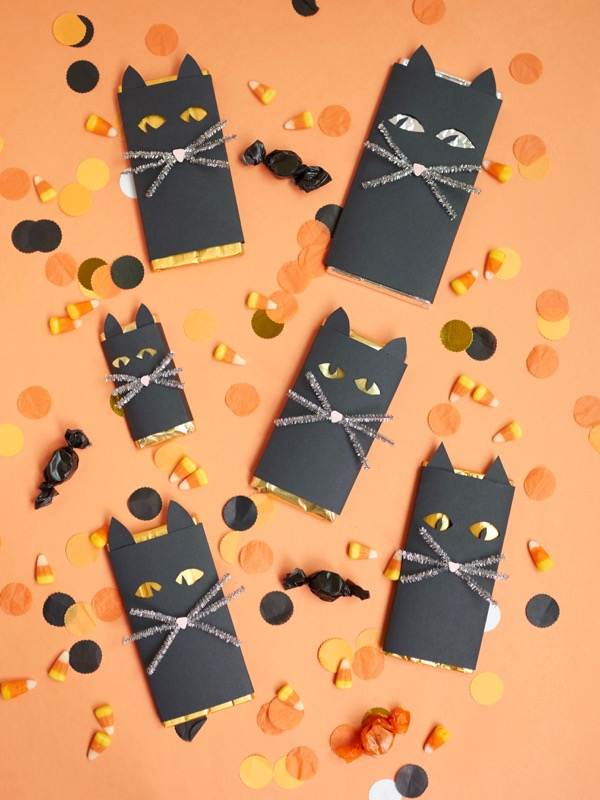Spooky Eye Black Cat Chocolate Bar DIY