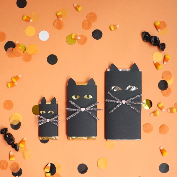 Spooky Eye Black Cat Chocolate Bar DIY | Oh Happy Day