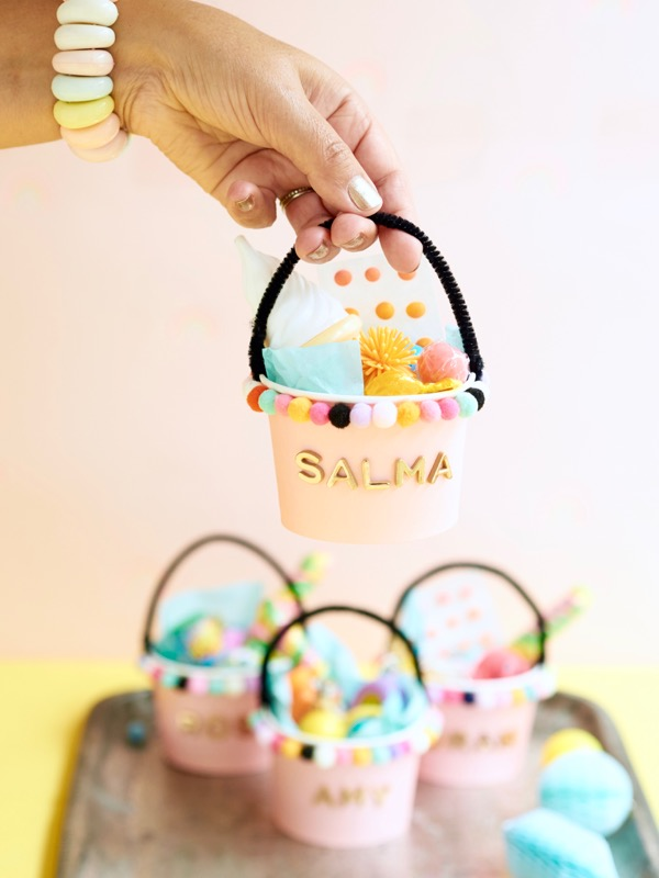Personalized Bucket Favors DIY | Oh Happy Day