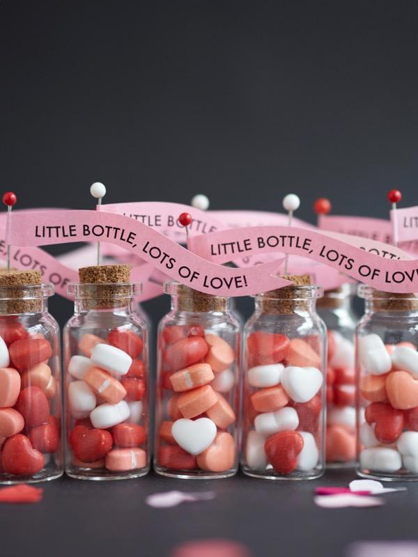 Mini Bottles Valentine Treats DIY | Oh Happy Day!
