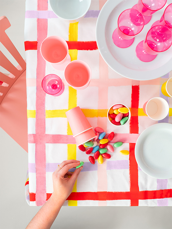 Gingham Tablecloth DIY   Oh Happy Day