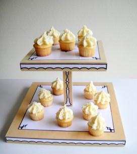 trompe loeil cupcake stand