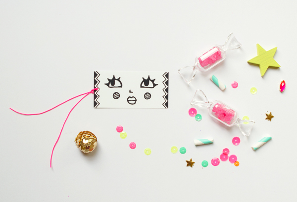 Free Printable Holiday Tags and Wrap   Oh Happy Day!