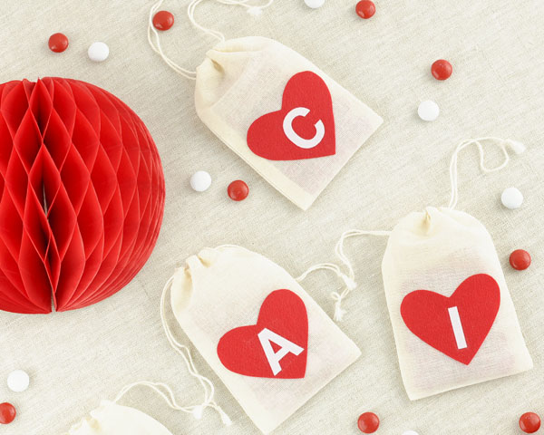 Personalized Felt Heart Muslin Bag DIY | Oh Happy Day!