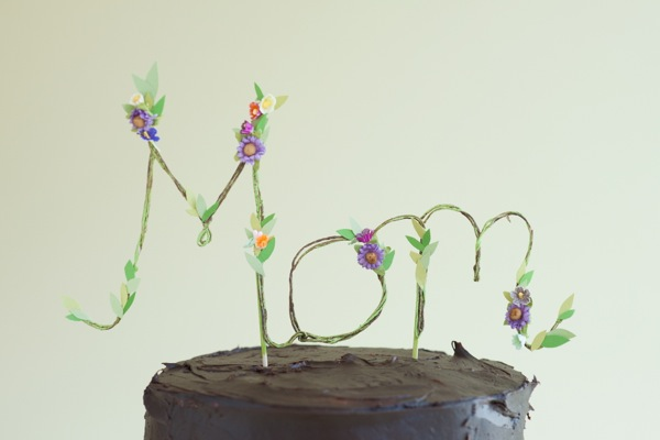Floral Mom Cake Topper DIY | Oh Happy Day!