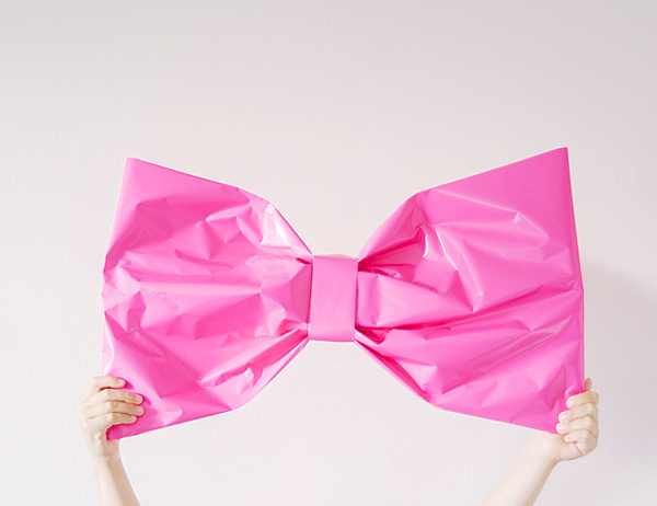 Giant Bow Gift Wrap DIY   Oh Happy Day!