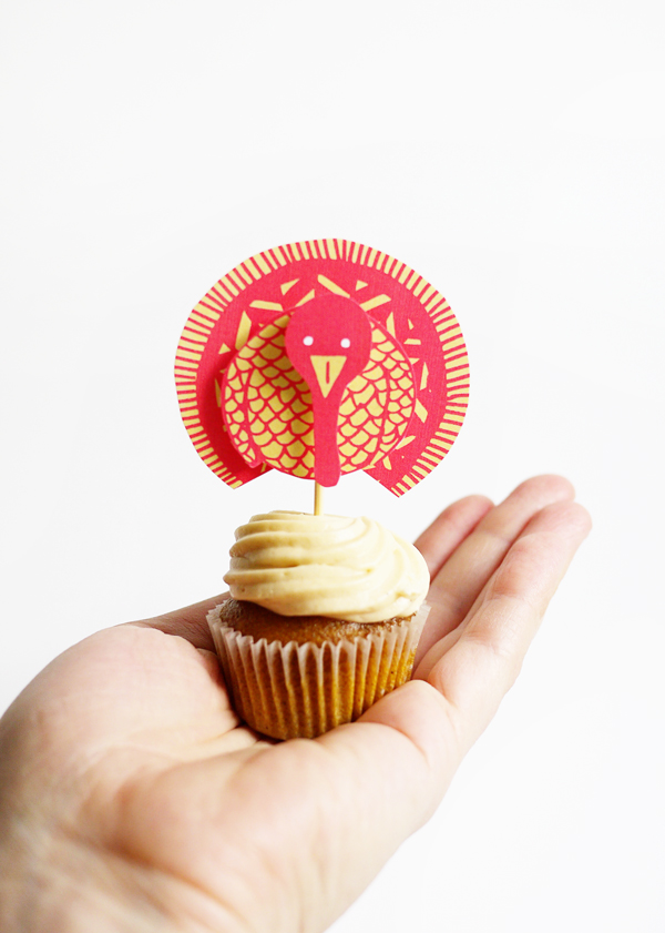 Printable Wild Turkey Cupcake Topper | Oh Happy Day!
