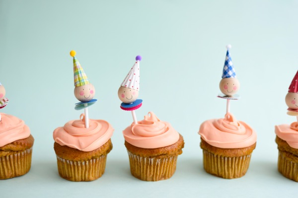Clown Cupcake Toppers DIY | Oh Happy Day!