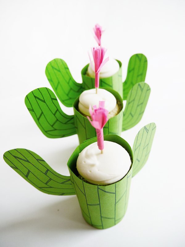 Printable Cactus Mini-Cupcake Stand | Oh Happy Day!